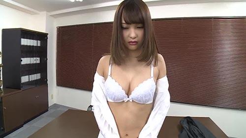 【MXGS-1044】公司内唯一的黑裤袜女子 咲野乃花(咲野の花)