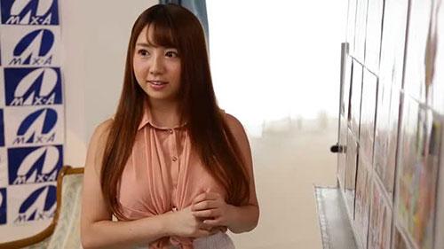 【XVSR-423】18岁出道2年的轨迹 有花萌(有花もえ)