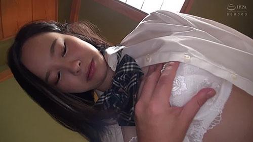 【MDS-886】学园里最可爱的纯白美少女 初乃文香(初乃ふみか)