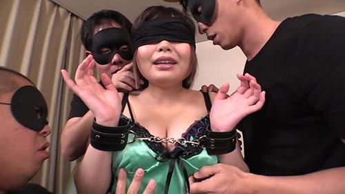 【NITR-438】暗恋的女子和大叔们 双叶莉香(双葉りか)