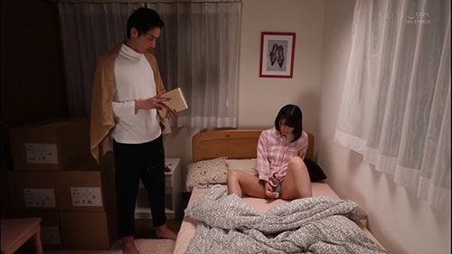 【STARS-054】和妹妹一起的生活 小泉日向(小泉ひなた)
