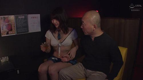 【ABP-858】美腿&高身长兴奋必至 真奈里绪菜(真奈りおな)