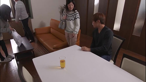 【STARS-062】来买自己的房子的夫妇 纱仓真菜(紗倉まな)