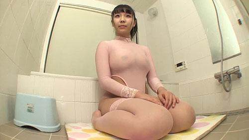 【EKDV-584】就是喜欢不穿衣服 稻场流花(稲場るか)