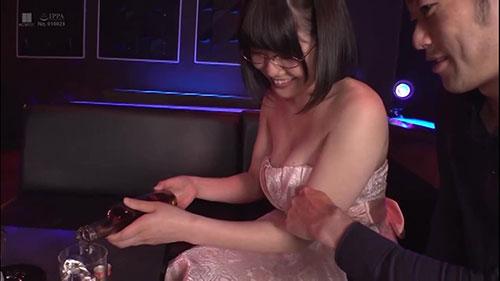 【KMHR-071】风俗童颜眼镜娘 佐知子